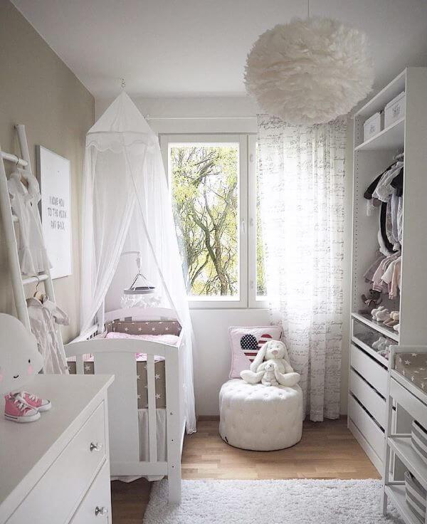 Janela de vidro para quarto de bebê