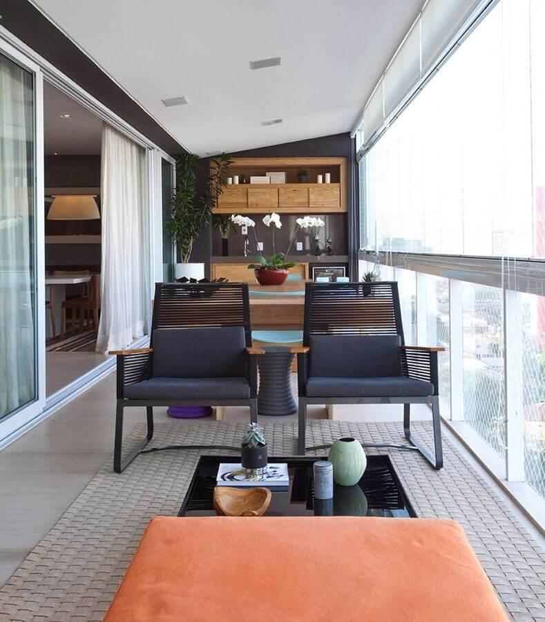 jogo de cadeiras para varanda de apartamento moderna Foto In House