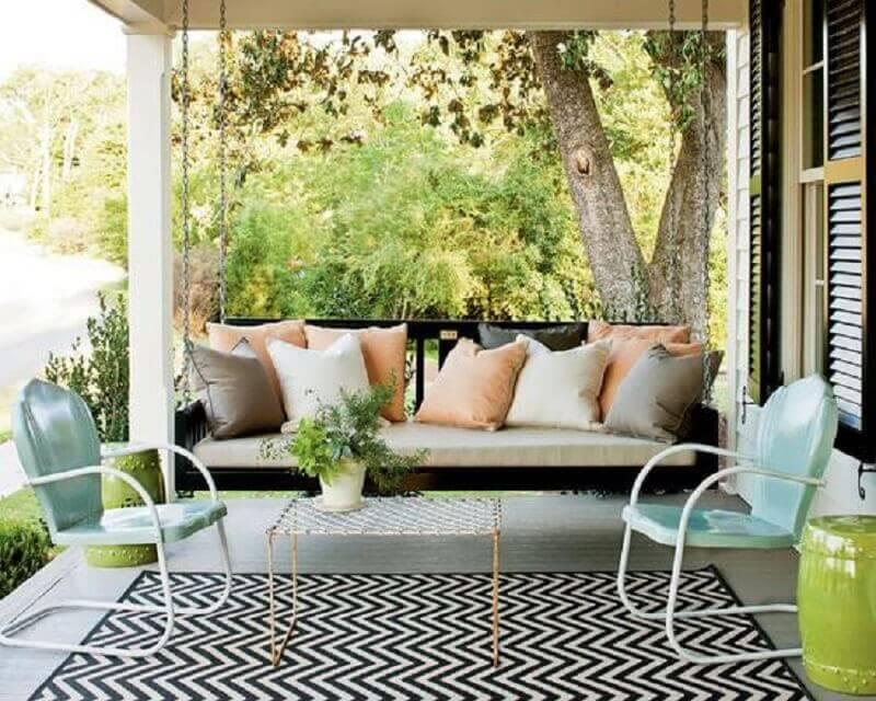 jogo de cadeiras simples para decoração de varanda Foto Estreno Casa