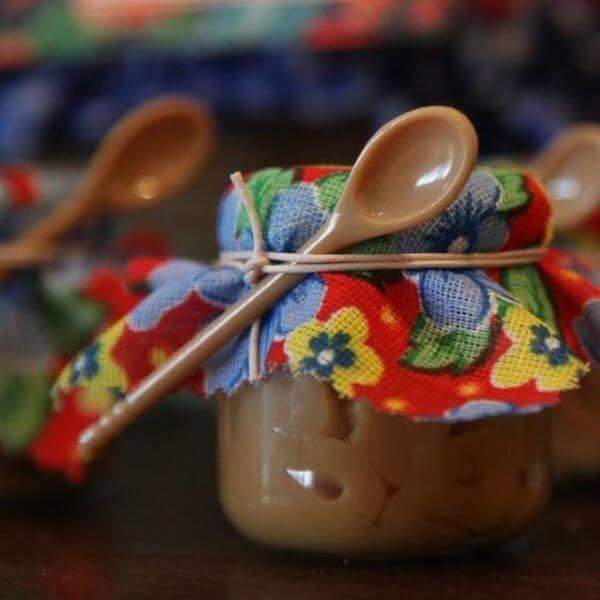 Lembrancinha de festa junina para mesa dos convidados: