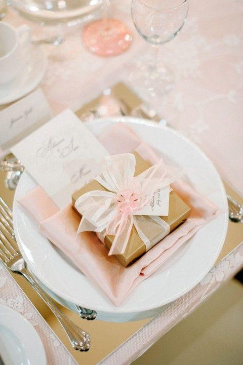 Lembrancinha de mesa com caixinha de doces