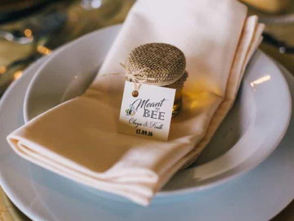 Lembrancinha de mesa para casamento com mel