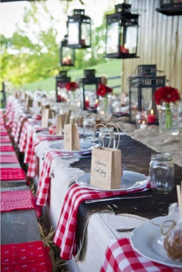 Lembrancinhas de festa junina para mesa dos convidados