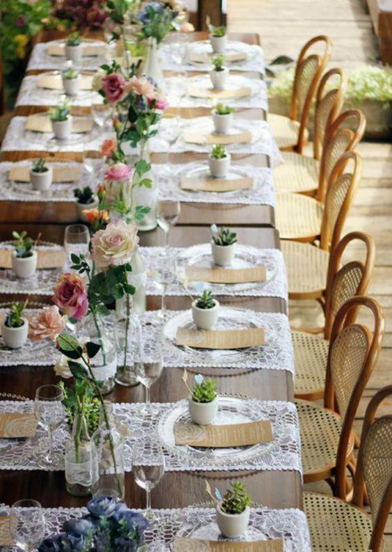 Lembrancinha de mesa com suculentas para casa
