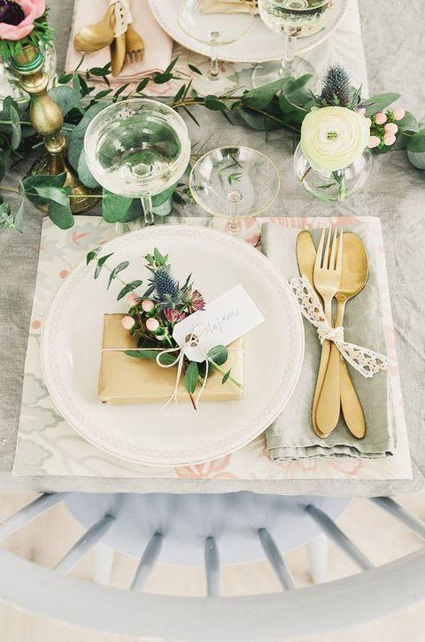 Lembrancinha de mesa casamento decorada com flores