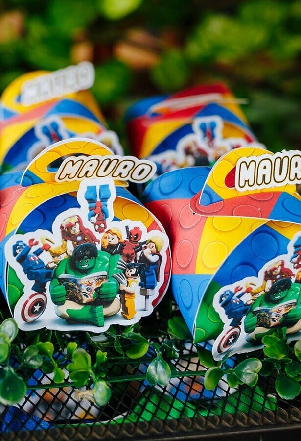 souvenirs for avengers birthday party Foto Pinterest