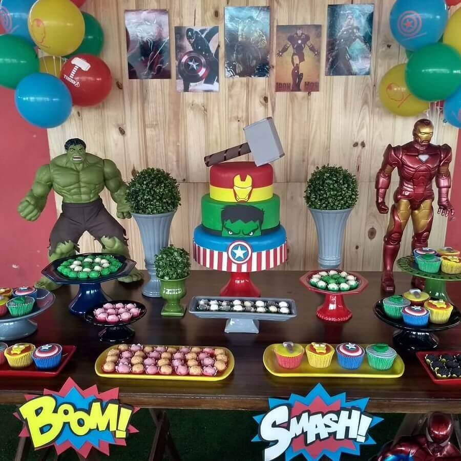 mesa de doces para festa dos vingadores simples Foto Lea Criar e Decorar