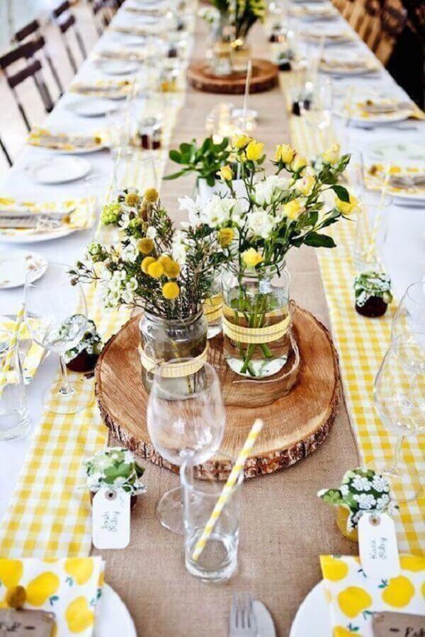 mesa para aniversário de casamento simples Foto Premier Table Linens