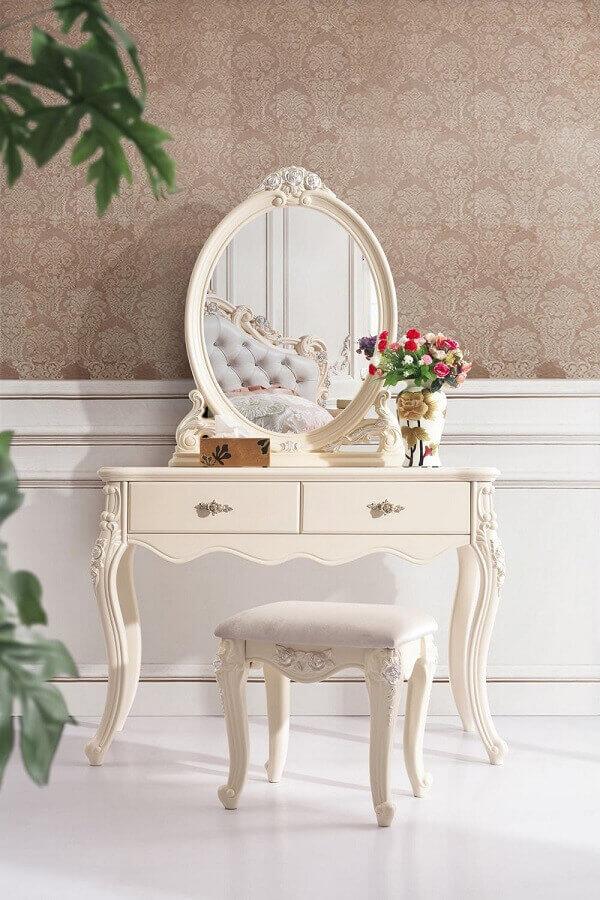 Modelo de penteadeira com espelho