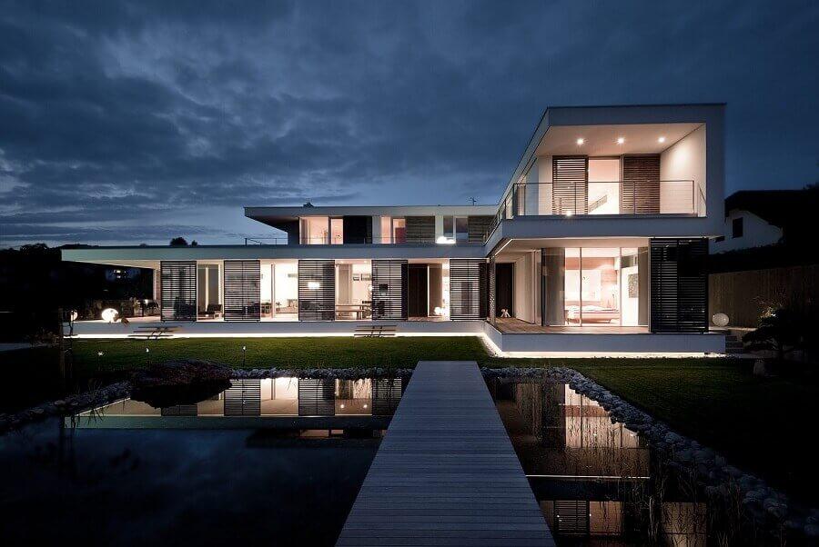modelo de casa em l Foto ArchDaily