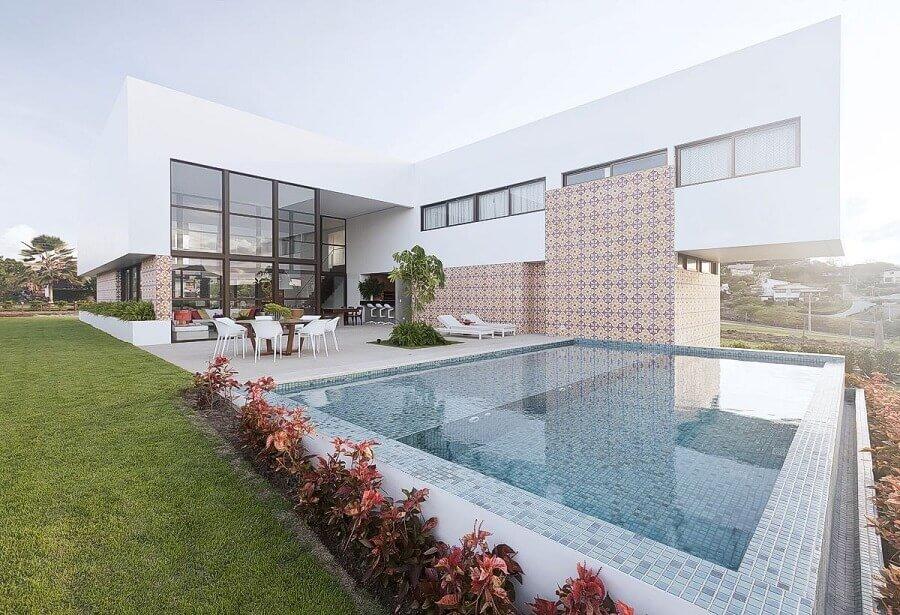 modelo de casa em l com piscina Foto Santos e Santos Arquitetura