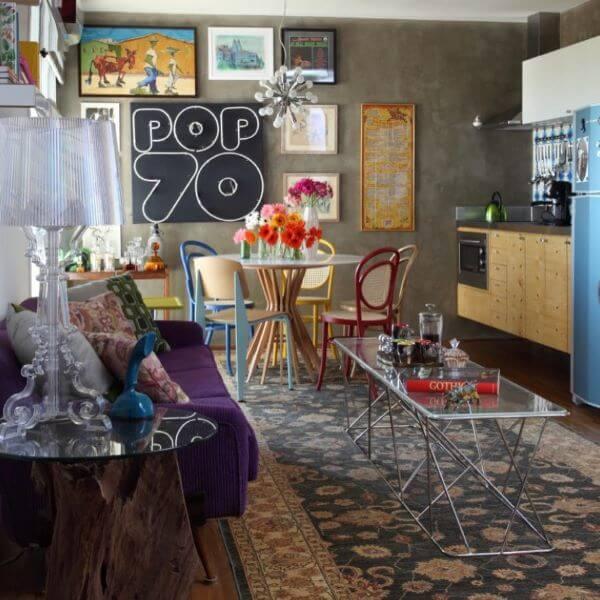Móveis retrô estilo anos 70