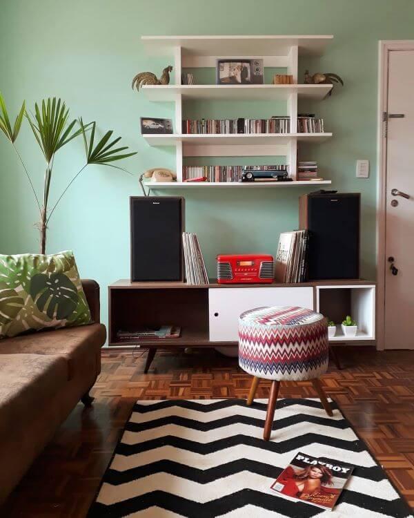 Móveis retrô para sala moderna e aconchegante
