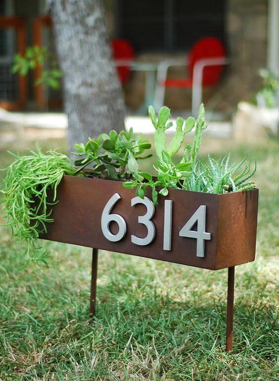 Número de casa no jardim