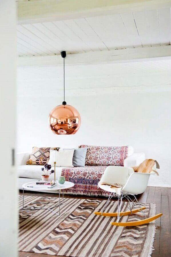 pendente cobre rose redondo para decoração de sala de estar simples Foto Sally White Designs