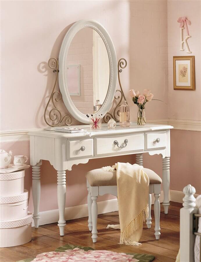 Penteadeira branca para quarto romântico