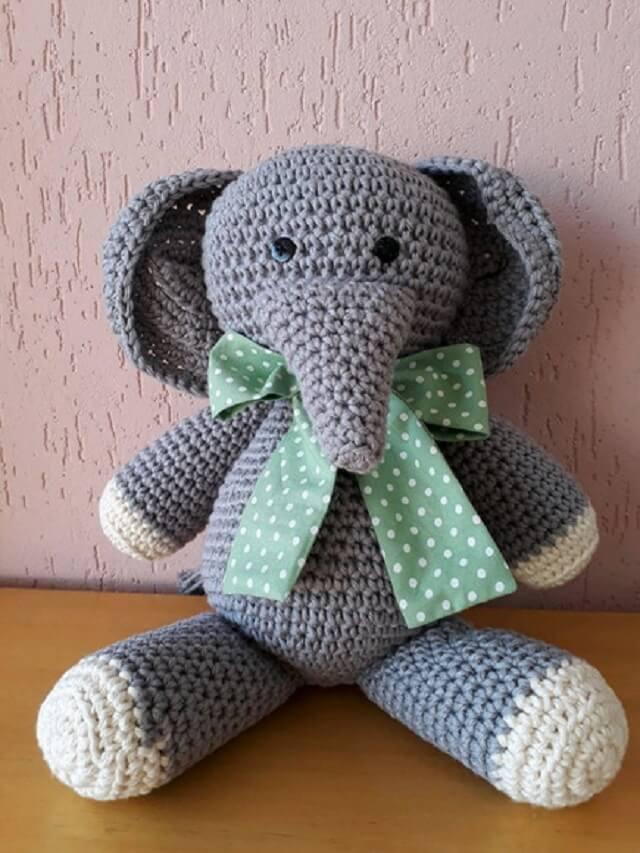 Peso de porta de crochê de elefante