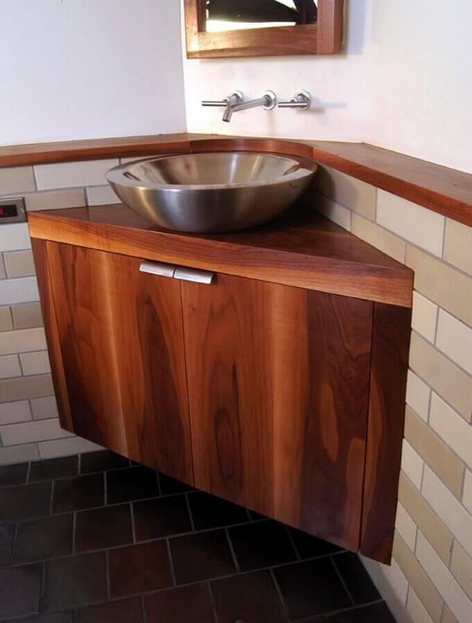 pia de canto para banheiro pequeno com gabinete de madeira e cuba de inox Foto Só Decor