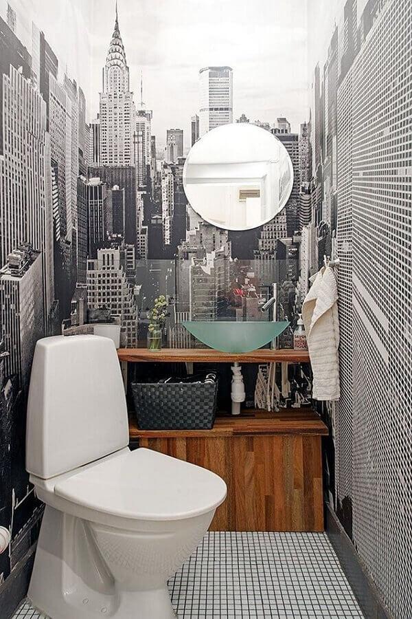 pia de vidro para banheiro pequeno decorado com papel de parede preto e branco Foto Yandex