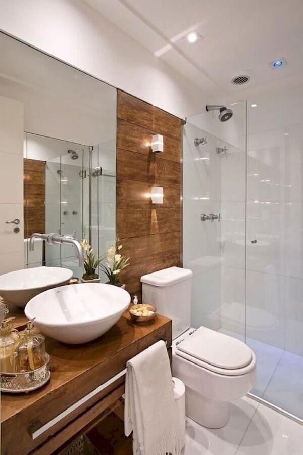 pia para banheiro pequeno com bancada de madeira Foto Pinterest