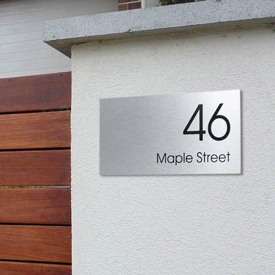 Placa com número de casa em inox