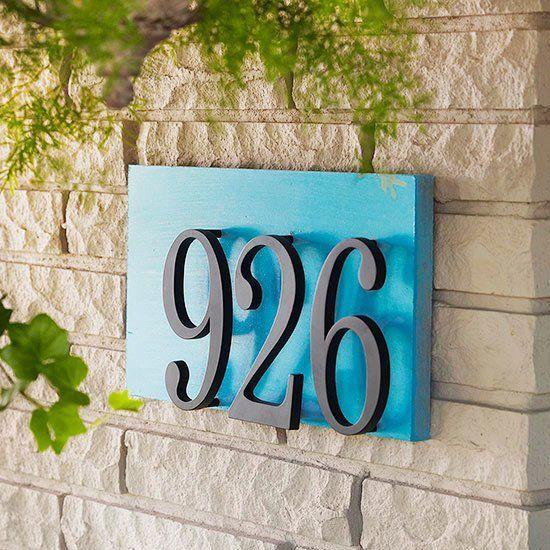 Número de casa em azul e preto