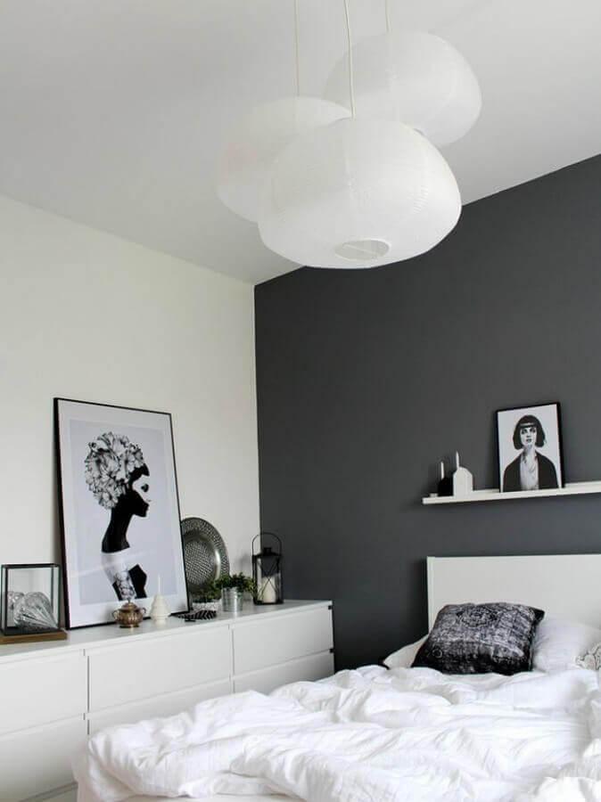 quadro preto e branco para quarto decorado clean Foto Dovenda
