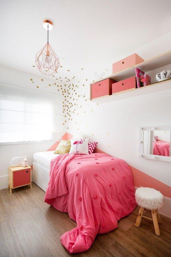 quarto feminino decorado com pendente aramado cobre Foto Studio Elen Saravalli