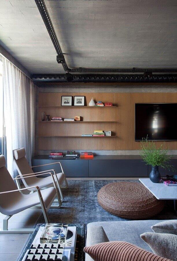 racks modernos com painel para sala ampla Foto Yamagata Arquitetura