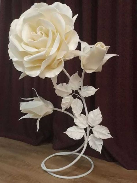 rosas de papel - arranjo de rosa de papel branco