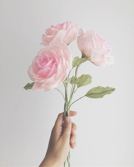 rosas de papel - rosa de papel crepom rosa