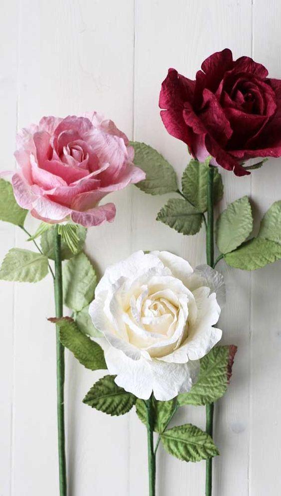 rosas de papel - rosa de papel crepom roxo e branco