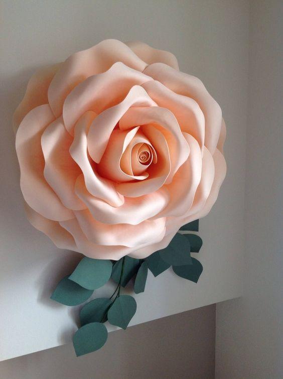 rosas de papel - rosa grande de papel claro