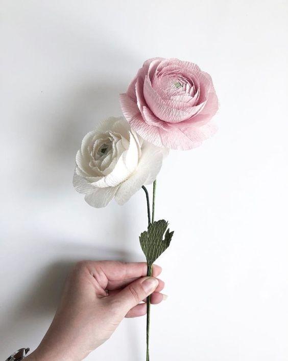 rosas de papel - rosas branca e rosa