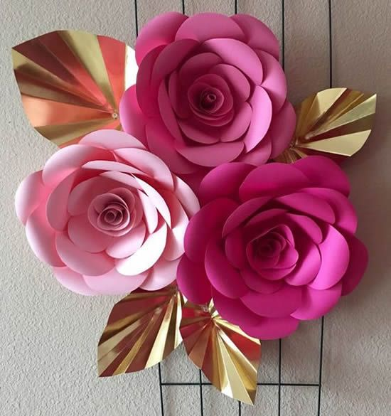 rosas de papel - rosas e folhas de cartolina