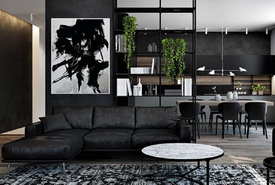 sala moderna toda preta decorada com quadro preto e branco Foto Pinterest