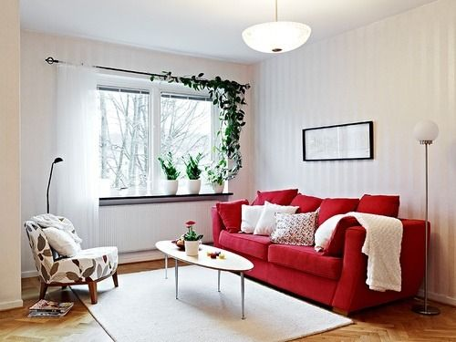 Sala vermelha com bege