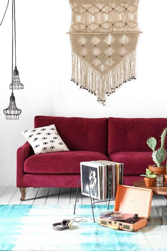 Sala vermelha para ambiente moderno e confortável