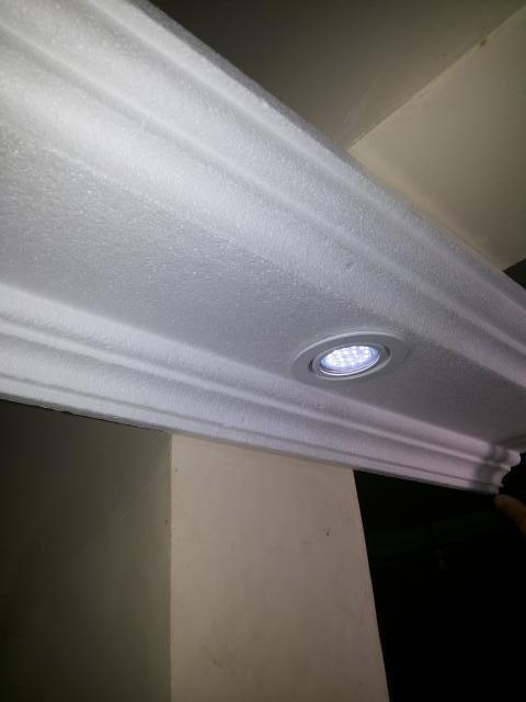 sanca de isopor - moldura de isopor no teto