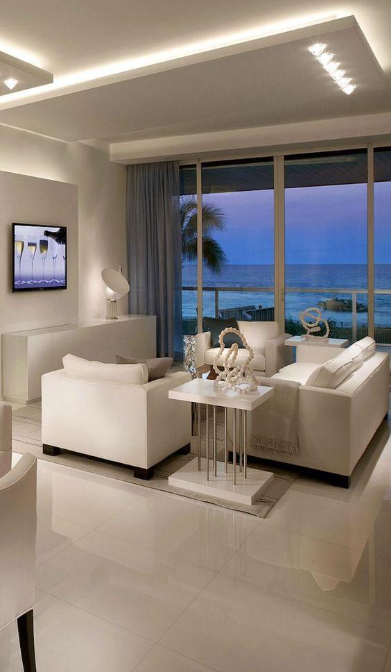 sanca de isopor - sala de estar com móveis brancos
