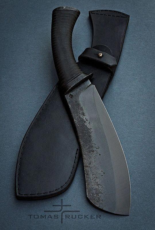 tipos de facas - faca com bainha preta