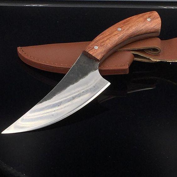 tipos de facas - faca com lâmina curva
