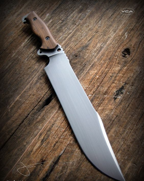 tipos de facas - faca com lâmina grande