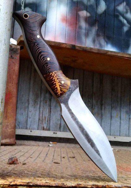 tipos de facas - faca média com cabo de madeira