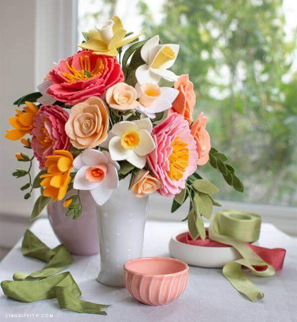 Vaso de flores de feltro para decoração