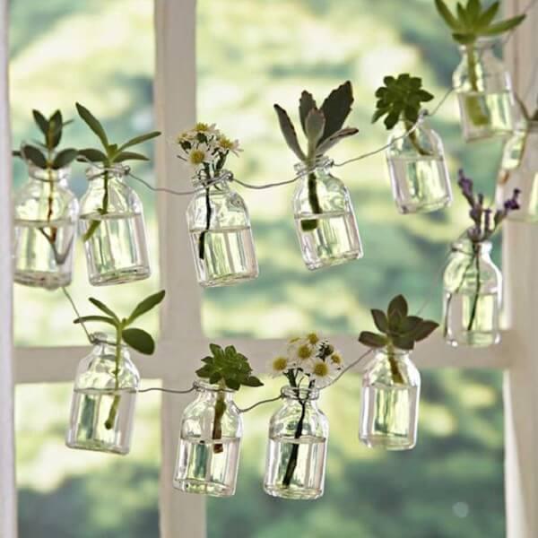 Forme um lindo varal com mini cachepot de vidro