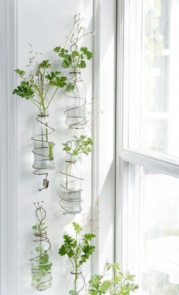 Cachepot de vidro feito com garrafas