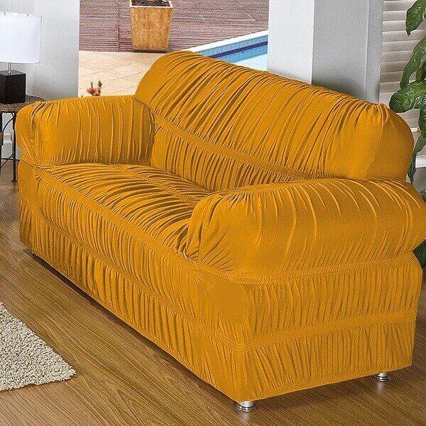 Modelo de capa de sofá amarelo com elástico