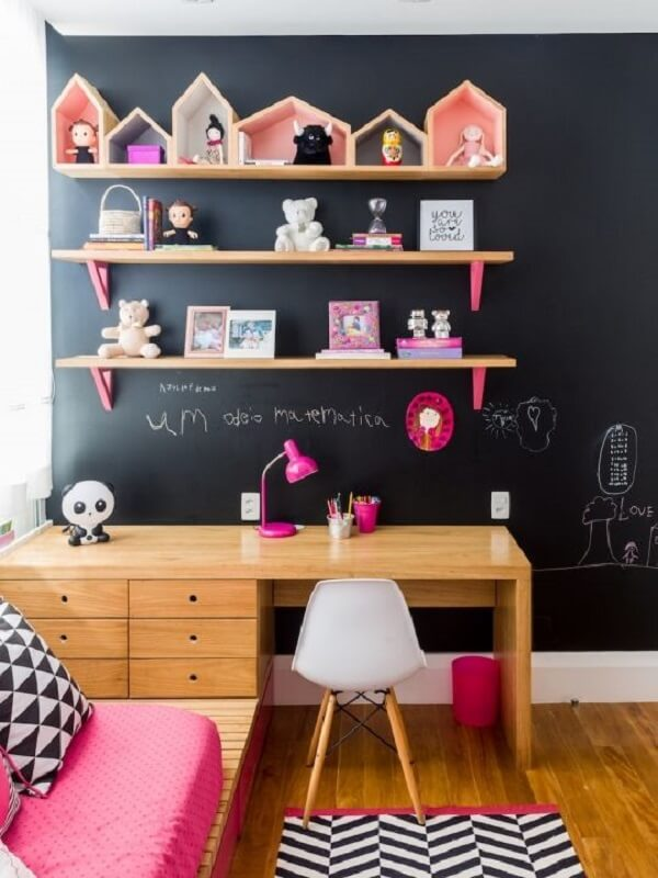 Invista em nichos coloridos em formato de casinha