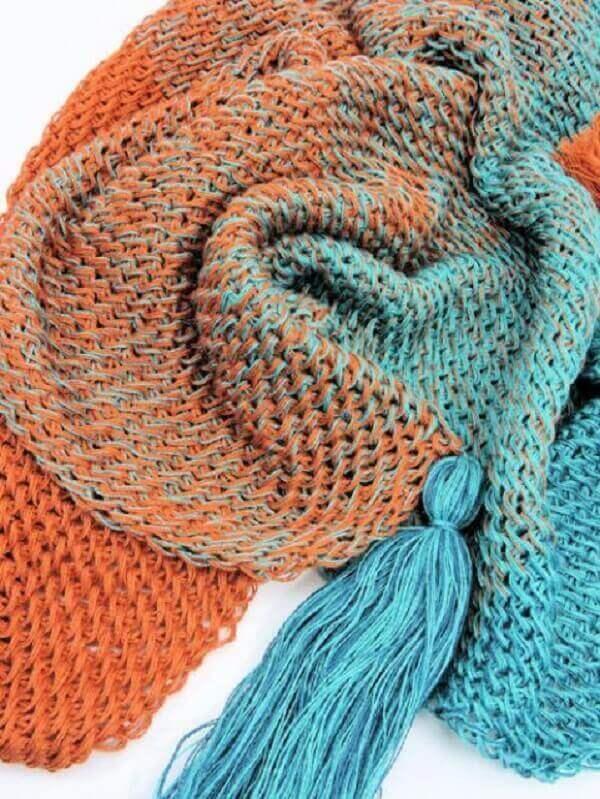 Manta feita em crochê tunisiano ponto esteira